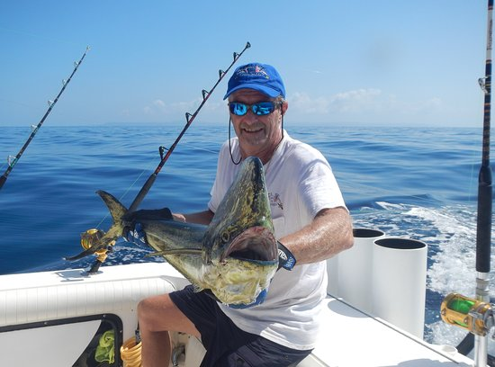 Captain Dave Murphy, Sue Murphy lead the team of Fishing charters in Boca Chica, Panama.