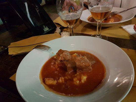 Gravina di Catania, Włochy: 20170108_212438_large.jpg