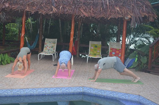 Garden of Eden Inn: Morning yoga