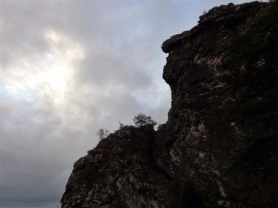 Olsberg, Allemagne : Bij dreigend weer is de sfeer nog magischer