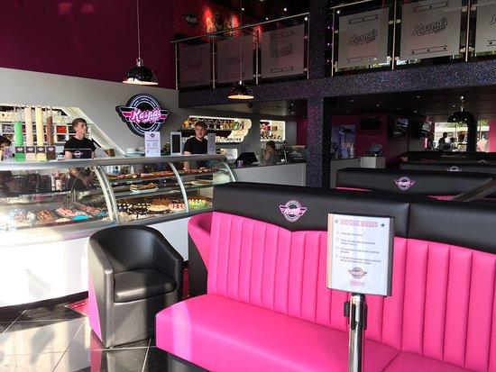 Cwmbran, UK: Kaspa's Desserts