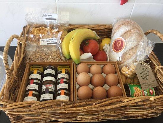 Lyndoch, Australia: breakfast and fruit basket