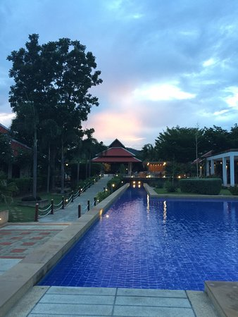 Thap Sakae Photo