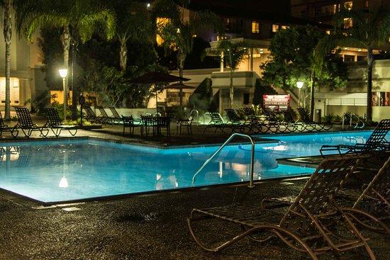 Oakwood Apartments Marina Del Rey: Piscina del complejo