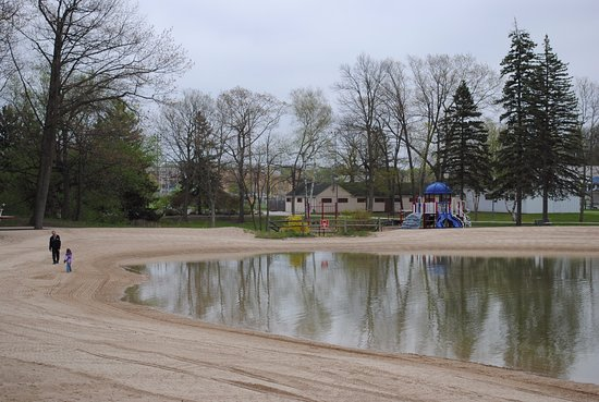 West Bend, WI: Regner Park swimming area