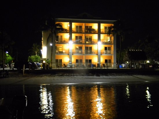 Hutchinson Island Plaza Hotel and Suites: Taken from the Pier