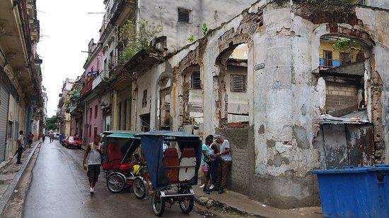 Calles de La Habana Vieja - Picture of Old Havana, Havana ...