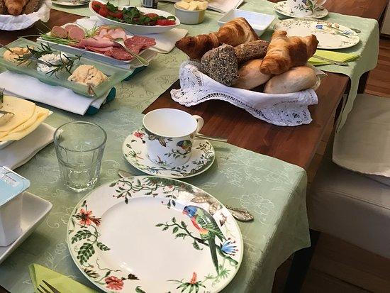 mittendrin: Breakfast buffet