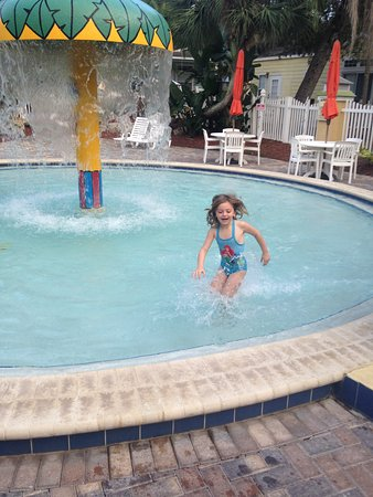 Tropical Palms Resort and Campground: Kiddie area