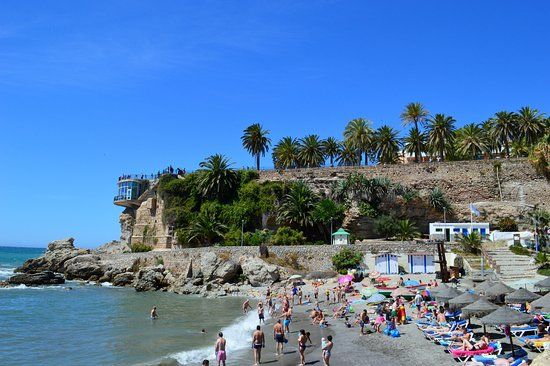 Calahonda, Spanje: A section of the beach.