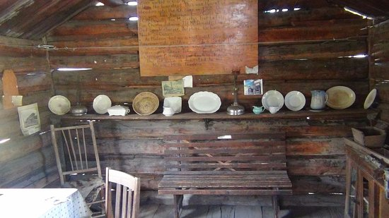 Oroville, WA: Old cabin built in 1898 at Old Molson