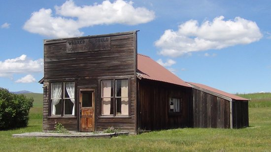 Oroville, WA: Old Molson - original building from early 1900s