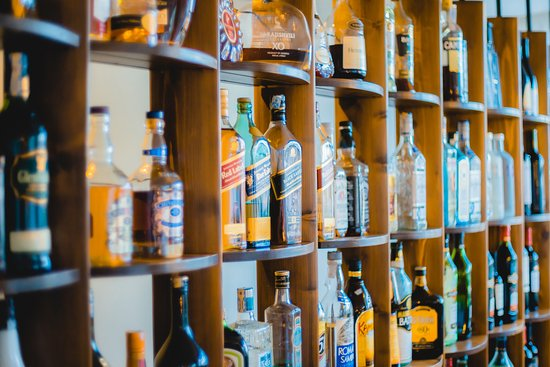 a critique of alcohol advertisements Drug and alcohol review explore this journal   magazine alcohol advertising compliance with the australian alcoholic beverages advertising code authors.