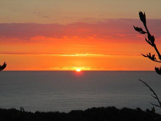 Gisborne, نيوزيلندا: Sunrise.