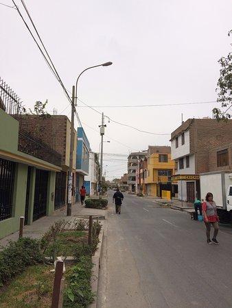 Lynik La Casa de Blanca: Street view from entrance