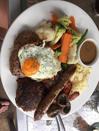 Boorowa, Australia: Mixed Grill and Fillet Mignon