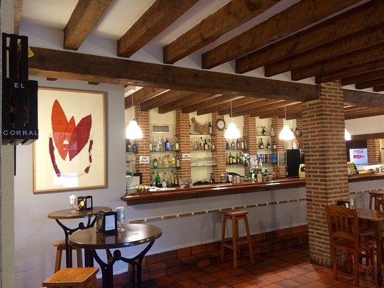 Restaurante el corral de joaquina en pedraza con cocina for Restaurante el jardin pedraza
