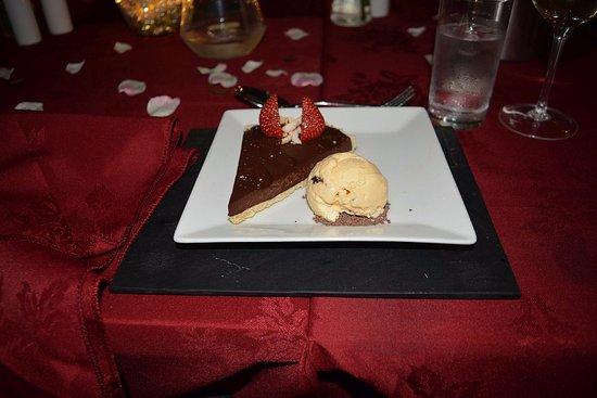 Glendevon, UK: bitter chocolate tart was amazing