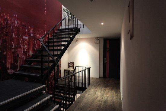 CheQinn - Bangkok Chic Hostel: Hallway