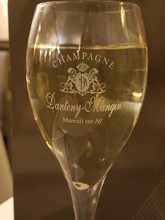 Le Coudray Montceaux, France: Coupe champagne