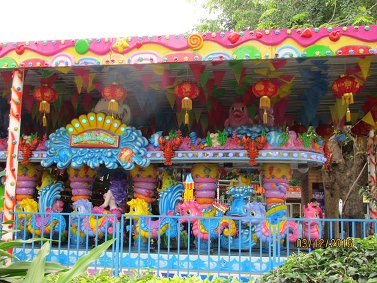 Haikou, Cina: Fun rides for kids