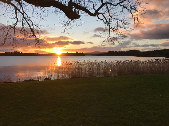 The Lake of Menteith Hotel: This is the view you will have to suffer each evening!! :)