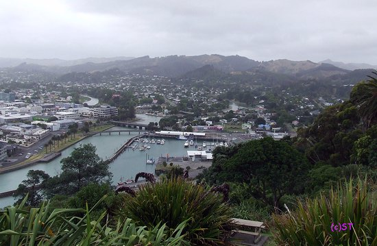 Gisborne, New Zealand: View to City