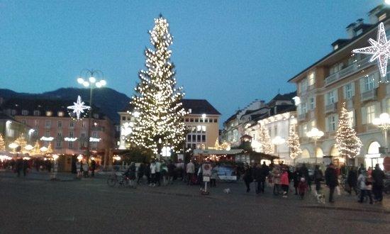 Mercatini Di Natale Bolzano Piazza Walther.Piazza Walther Foto Di Mercatino Di Natale Di Bolzano