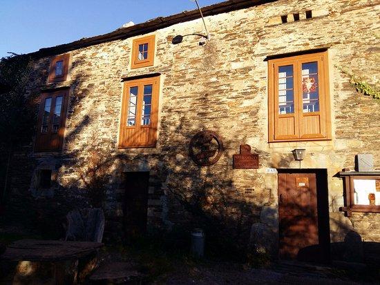 Santa Eulalia de Oscos, España: Mesón