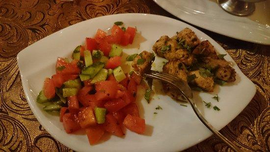 A Taste of India & Arabia International Restaurant Plus Bar: delicious chicken tikka