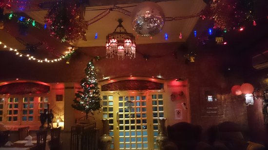 A Taste of India & Arabia International Restaurant Plus Bar: decorated interior