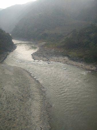 Kurintar, Nepal: The river below