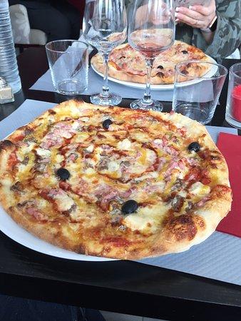 Delicatus: Pizza excellente et service au top