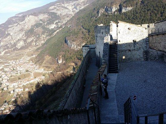 Besenello, Italia: Castel Beseno esterni