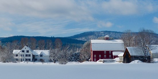 Farmhouse Inn at Robinson Farm: Farmhouse Inn winter panorama
