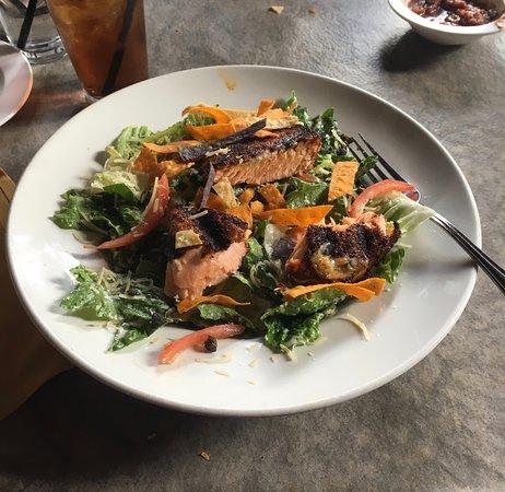 Canyon Cafe: Blacken Salmon Caesar