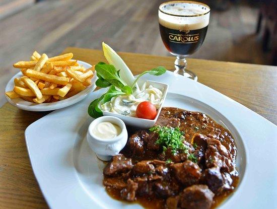 Het Anker : Flemish beef stew with Gouden Carolus (photo credits: BeerTourism.com)