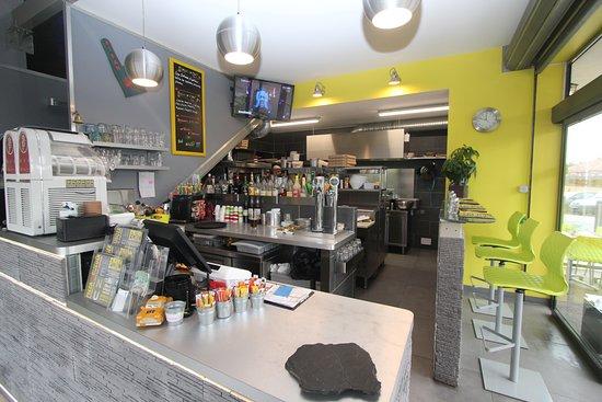Pierrefeu-du-Var, Frankrike: cuisine ouverte