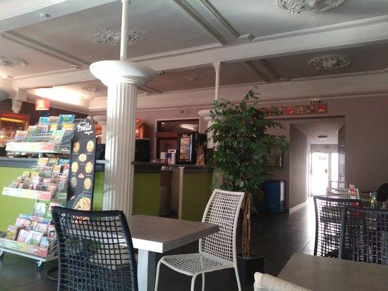 petite brasserie librairie et bureau de tabac les patrons sont tr s gentil menu 12 50 entr. Black Bedroom Furniture Sets. Home Design Ideas