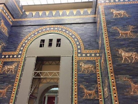 La porta di ishtar foto di museo di pergamon berlino for La porta media