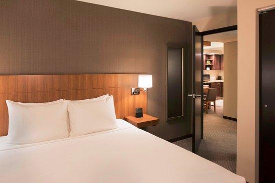 Hyatt Place Cleveland Westlake Crocker Park King Suite Bedroom