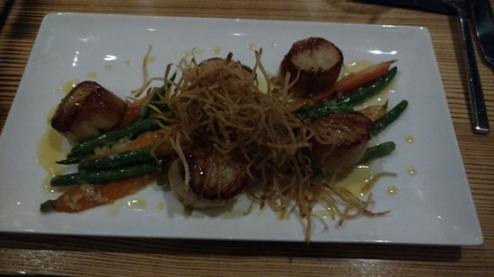 Mars, PA: Sea Scallops - a little oily, but AMAZING