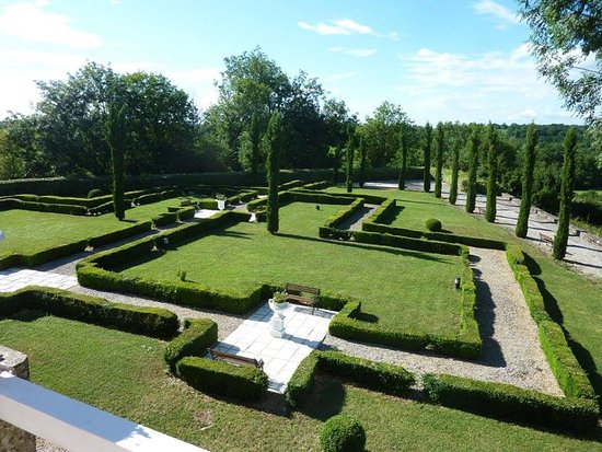 Saint Projet, France: Garden @ Etape de Roi Louix XIII