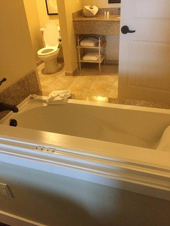 Oceano Hotel & Spa Half Moon Bay: Nice, Comfortable soaking tub