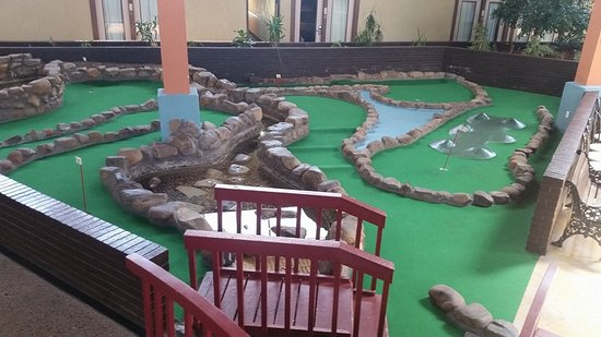 Elk City, OK : Mini golf course