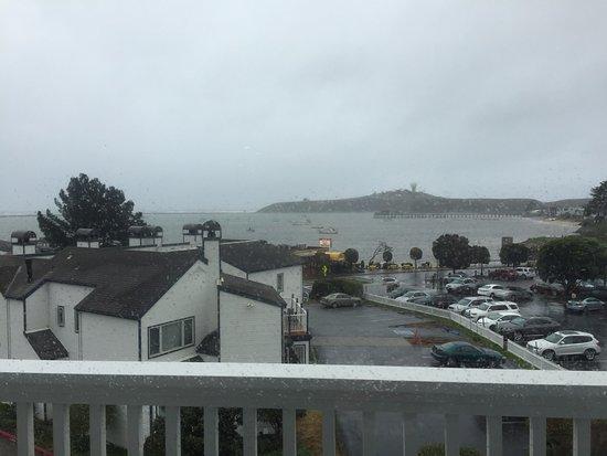 Oceano Hotel & Spa Half Moon Bay: Stormy Day, Mavericks in the background
