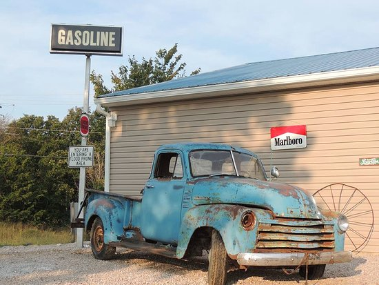Bourbon, MO: Our old 51 Chevy outside is always a topic for travelers stopping by!