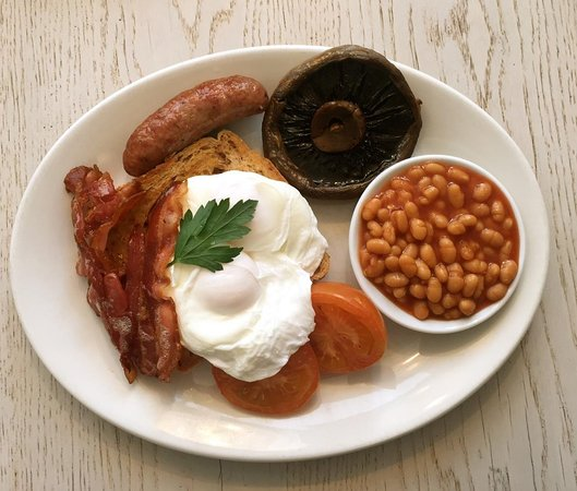 Emsworth, UK: Freshly cooked breakfast to order with a choice of scrambled, fried or poached egg.