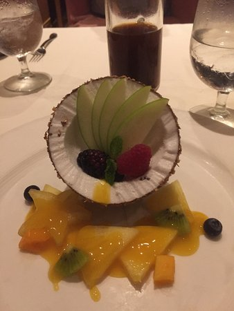 Alan Wong's Restaurant: Desert!!! It looks like a coconut - but the only shell is made out of chocolate