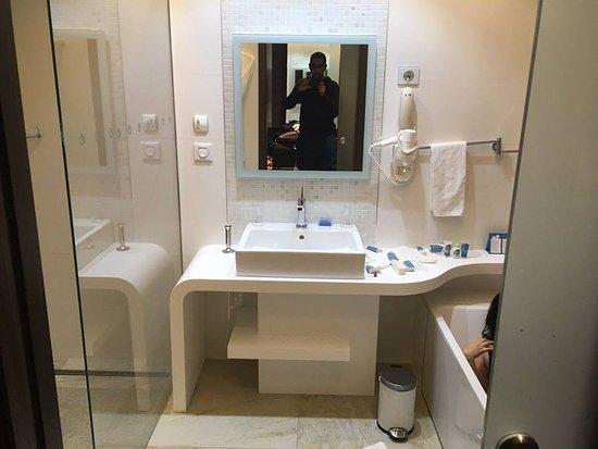 Salle de bain - Bild von La Cigale Tabarka, Tabarka - TripAdvisor